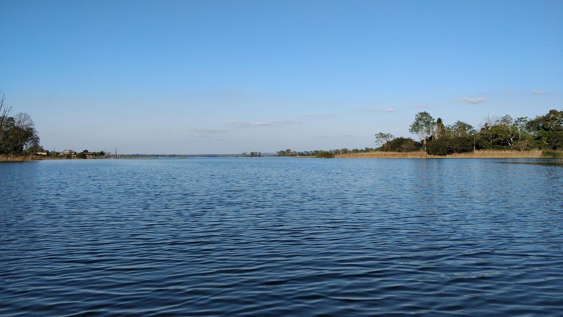 Dumboor Lake