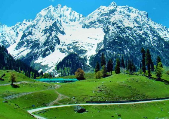 Offbeat Places To Visit In Jammu & Kashmir