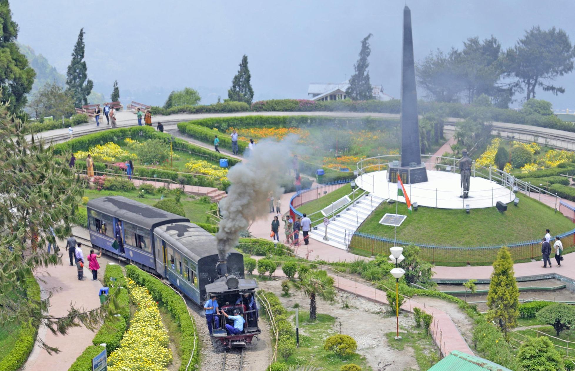 Batasia Loop, Darjeeling